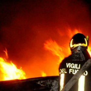 Incendiata l'auto del padre del Sindaco