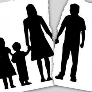 Separazioni, clamorosa decisione del Tribunale di Bari: stop visite padre-figli