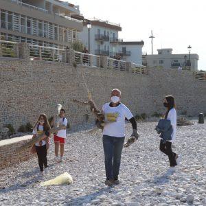 """""""Bisceglie illuminata"""" in spiaggia: ecco il nostro pomeriggio ecologico"""