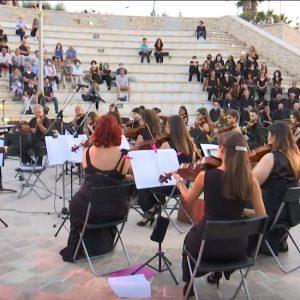 L'Orchestra Biagio Abbate emoziona con le note di Verdi al tramonto (4 video-interviste)