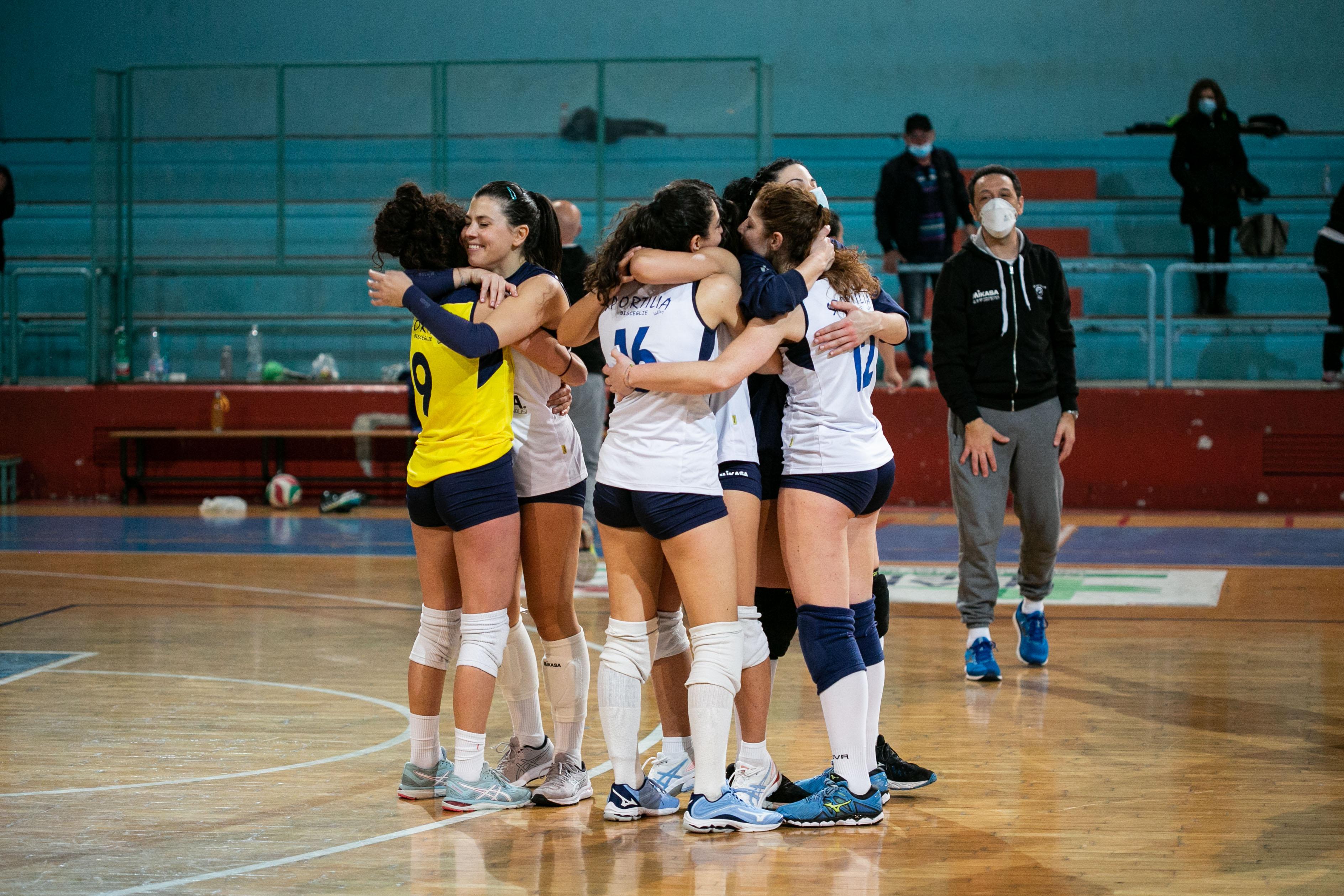 Volley femminile, serie C – Sportilia Bisceglie tutta cuore e grinta, la stracittadina è tua