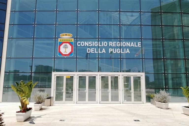 Evasione fiscale: 18 indagati in Puglia, anche un consigliere regionale