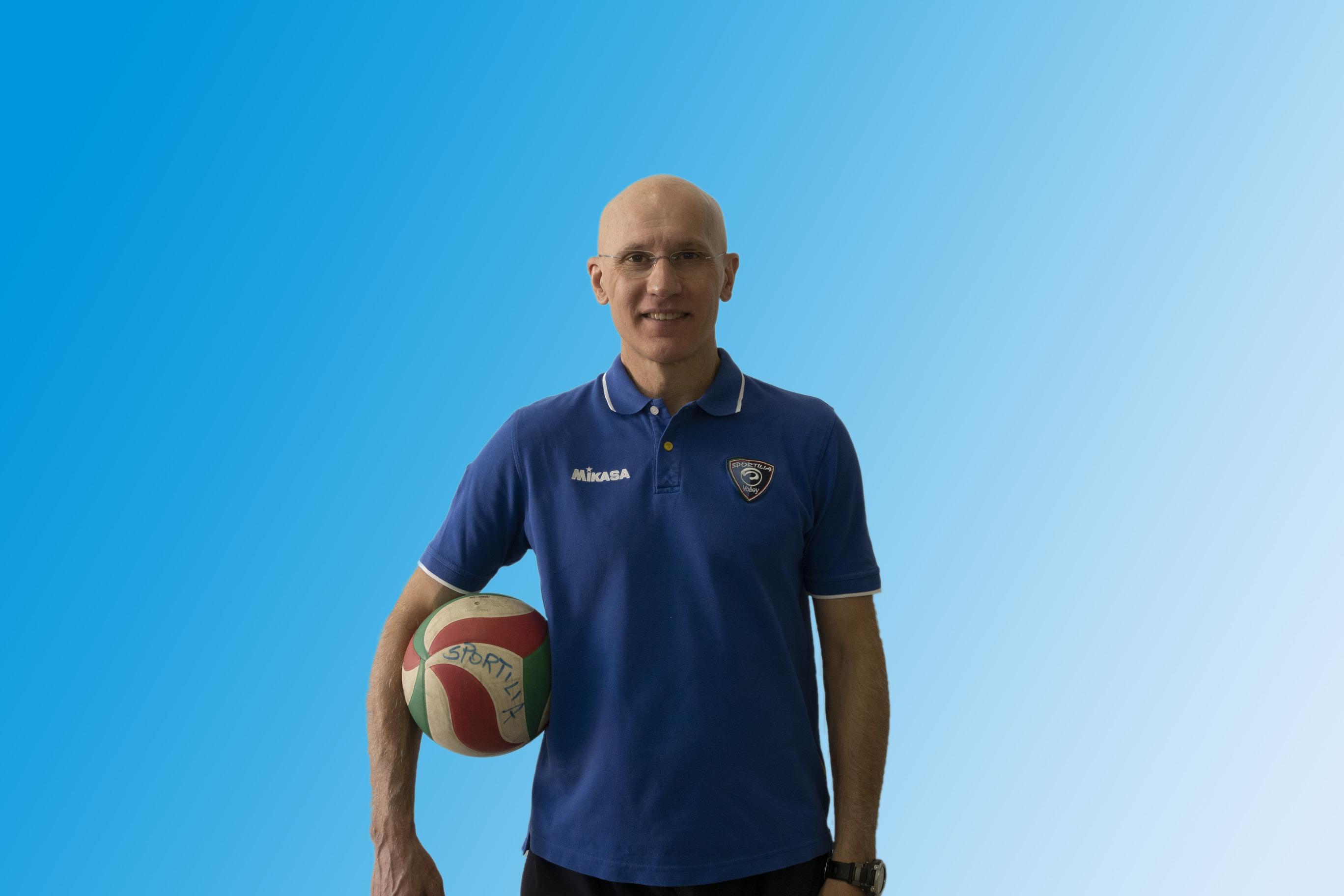 Volley – Sportilia Bisceglie, coach Nicola Nuzzi riconfermato al timone in vista dello storico esordio in serie B2