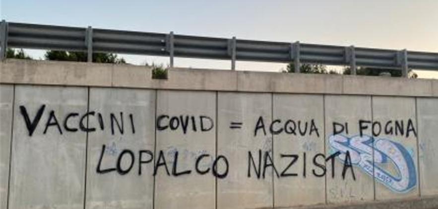 """""""Lopalco nazista"""", minacce all'Assessore: parte l'inchiesta e arriva la solidarietà da Regione e partiti"""