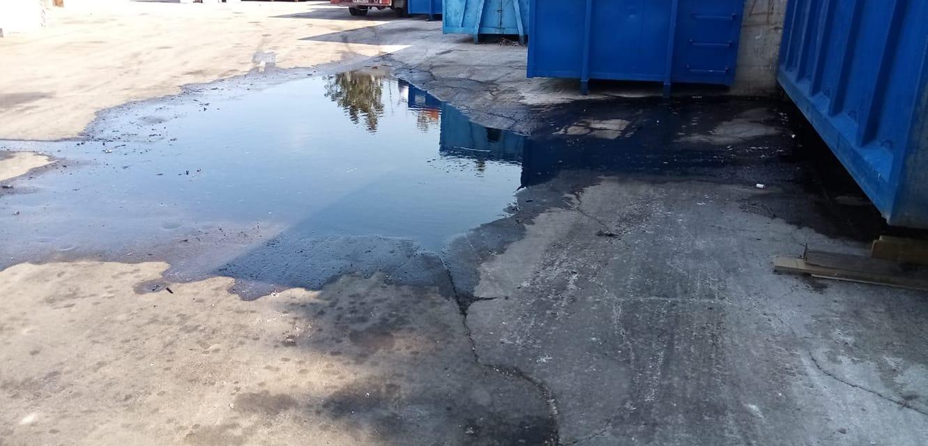 Isola ecologica Carrara Salsello, Napoletano: «I liquami nauseabondi sono ancora presenti dopo mesi di segnalazione»